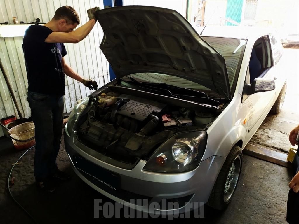 Замена подушки двигателя Форд Фиеста (16).jpg
